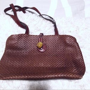Vintage chic Italian brown leather woven bag!